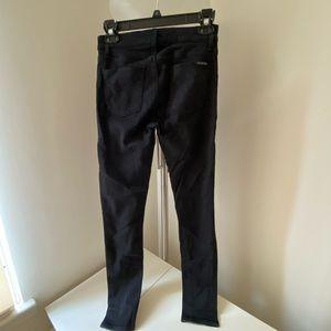 Hudson Jeans Black Skinny Jean - Size 27